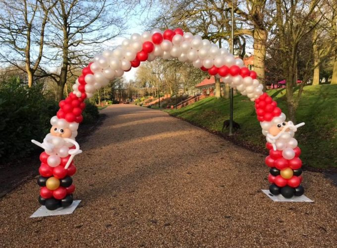 Alice Charity Santa Dash Arch